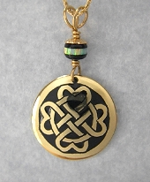 Celtic Heart Circle Pendant In Gold